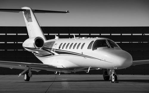 Transport of top executives in private jet
